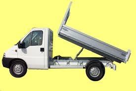 chez qui faire une location de camion benne pas cher. Black Bedroom Furniture Sets. Home Design Ideas